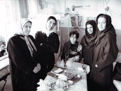مددکاران و کودکان محک-بیمارستان علی اصغر-1379