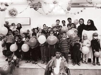 کودکان و مددکاران محک در جشن هفته سرطان-مهر ماه 1379