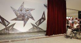 نصب اثر منیرفرمانفرمائیان برای اولین بار در فضایی عمومی، خارج از موزه: