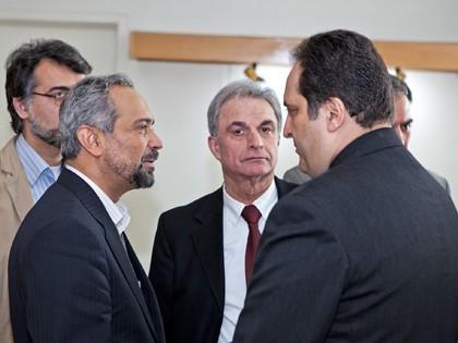 همایش CSR در محک نهاوندیان رئیس هیات مدیره اتاق بازرگانی، احمدیان مدیر عامل محک و پورفلاح دبیر همایش