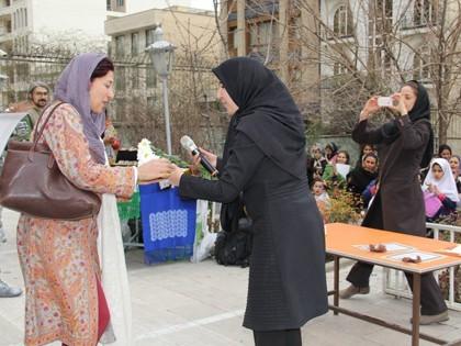برگزاری بازارچه خیریه توسط یاوران کوچک محک