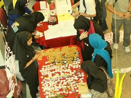 حضور یاوران در غرفه های بازارچه تابستانه